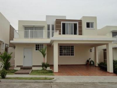 Vendo Casa Amoblada en PH Brisas Point, Brisas del Golf 17-4893**GG**