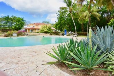 Apartamento de 4 habitaciones cerca de Estancia Golf Resort