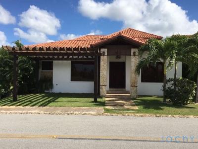 Jochy Real Estate Vende Villa en el Complejo Turístico de la Estancia