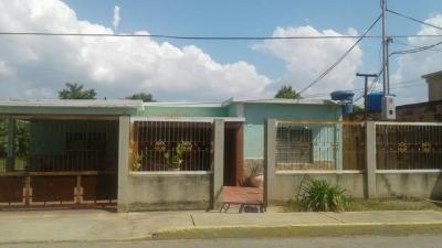 Vendo linda Casa