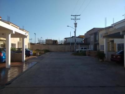 En Venta Townhouse en Villa Privada cerca del centro de Ciudad Ojeda