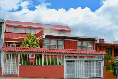 Venta casa amplia para oficinas Rohrmoser Pavas
