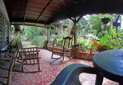 Casa de Hacienda con Gran Potencial para Restaurar, Tres Rios