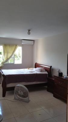 Apartamento 3 habitaciones, 2 baños, 150 metros.