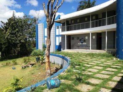 Se Vende Terreno C/edificio de 3niveles 3cuartos 5baños en Villa Mella 51519m2