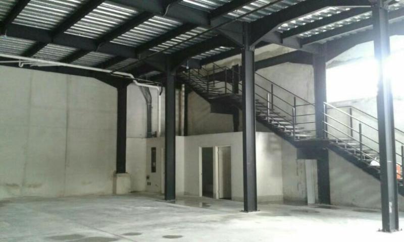 Vendo Galera Espaciosa en PH Parque Centenario, Vía Centenario 19-3051**GG**