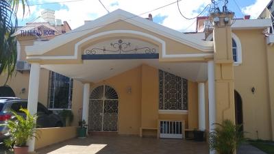alquiler casa en residencial Miraflores Merliot