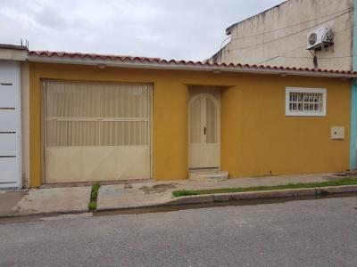 Hermosa Casa ubicada en Los Overos Turmero
