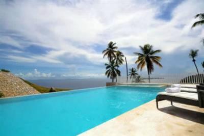 Apartamento frente a la playa en un complejo en Samana, República Dominicana