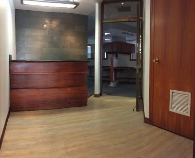 Oficina en La Sabana / Amplíe su negocio