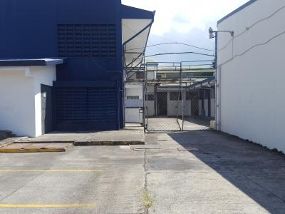 Se vende propiedad con uso de suelo mixto en Zapote