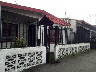 Terreno con una casa sin valor , excelente ubicación