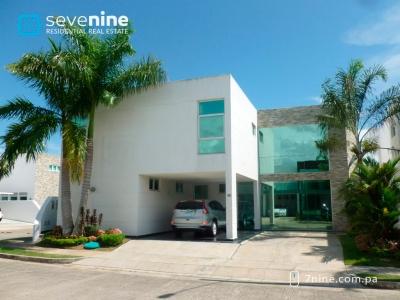 SE VENDE Costa Esmeralda 3 Recs + 3.5 Baños - ID #C1001