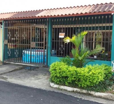 Vendo Cómoda Casa en Torremolino, Juan Díaz #18-644**GG**