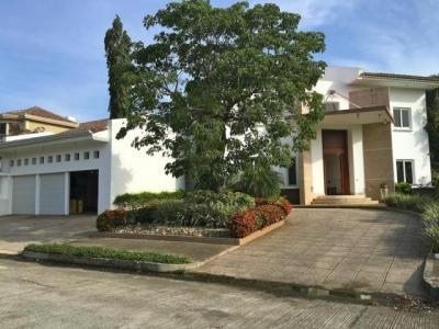 Vendo Espectacular Casa Amoblada en Costa del Este 16-3360**GG**