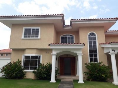 Vendo hermosa casa en PH Palmeras del Este, Costa del Este 18-1864**GG**