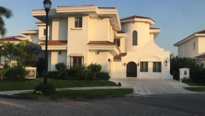 Vendo Casa Exclusiva en Santa María Golf, Costa del Este 18-2388**GG**