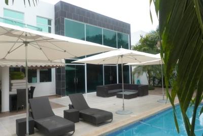 18-6284 AF Se alquila moderna casa en Costa Sur