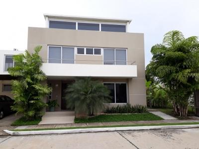 18-6418 AF Bella casa amoblada se alquila en Costa Sur