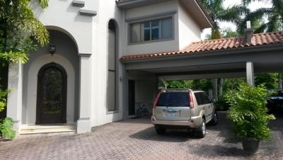 18-4263 AF Hermosa casa para alquilar en Costa del Este