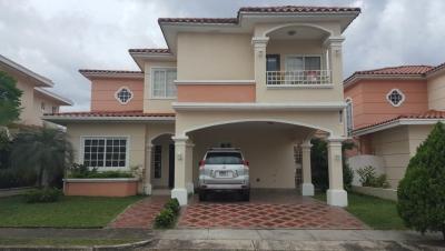 18-7220 AF Casa se alquila en Costa Sur