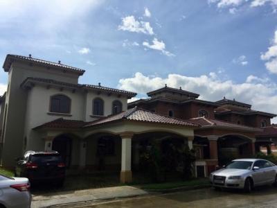 Vendo Casa Espectacular en El Doral, Costa Sur 19-2137**GG**