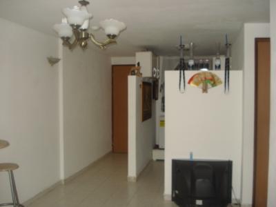 Alquilo comodo apartamento en lugar centrico