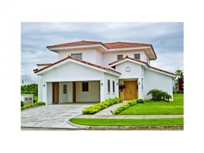 Espectaculares casas Fairways Estates MPC1561