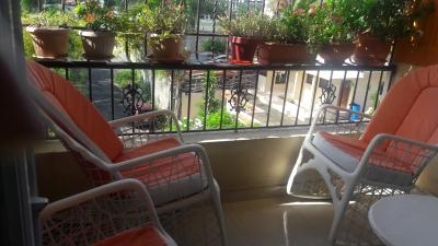 Apartamento en Venta en Villa Aura.