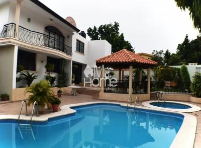Hermosa Casa en Venta, Alameda, Santo Domingo Oeste, D.N.