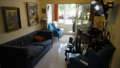 Apartamento en Carmen Renata III con 2 parqueos