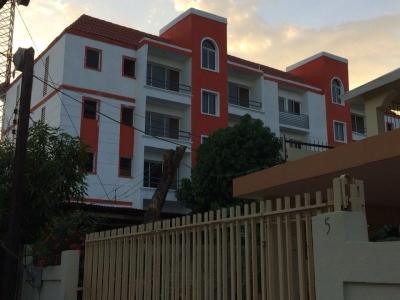 Vendo Apartamentos en Av. Isabel Aguiar Herrera zona residencial.