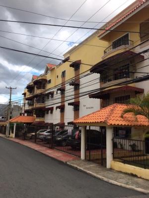 Vendo apartamento semi-penthouse en Las Colinas de los Ríos detrás de Carrefour