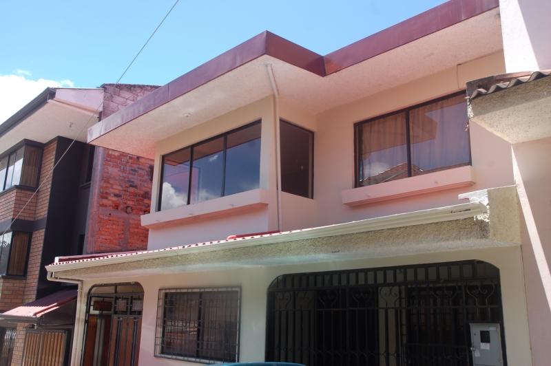 AMPLIA Y COMODA CASA EN TOTORACOCHA