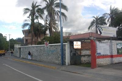 AMPLIO TERRENO + CASA EN ZONA EXCLUSIVA DE CUENCA
