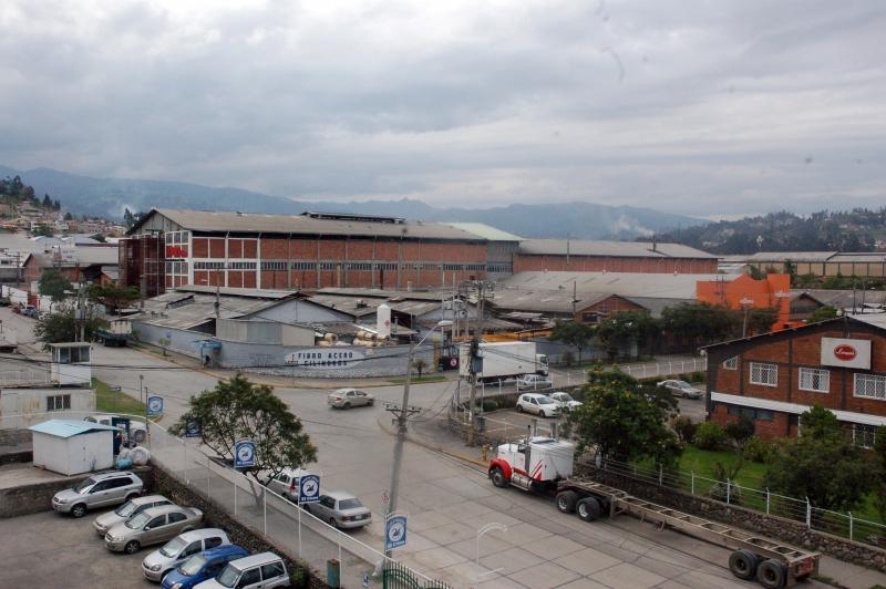 CENTRO DE EVENTOS EN EL PARQUE INDUSTRIAL DE CUENCA