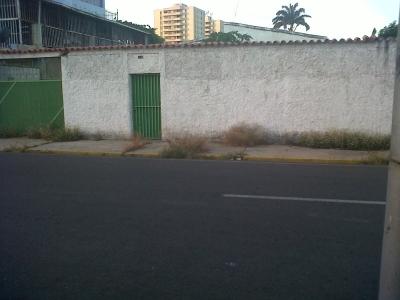 Vendo terreno en calle Falcon sector barrio Sucre