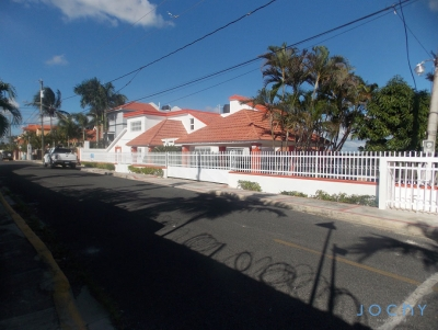 Jochy Real Estate vende Casa en los Altos de Río Dulce