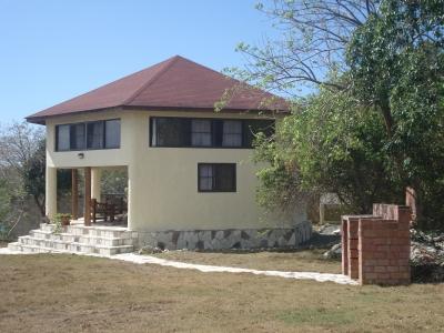 Casa amoblada en venta con muelle