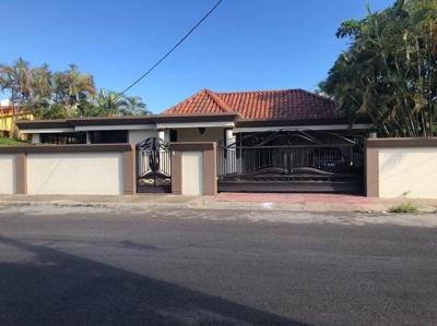 Vendo Casa en San Pedro de Macoris con piscina cerca de la playa