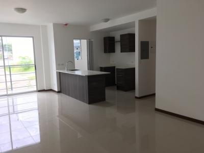 REDUCIDO!!! Apartamento contemporáneo en Venta en Cariari. ID:331