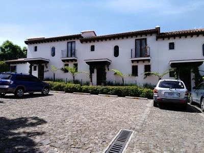 Preciosa casa amueblada en Condominio Paseo del Obispo