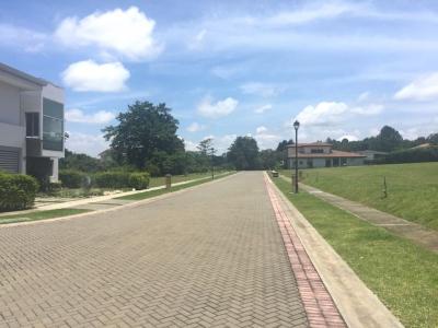 VENTA DE LOTE EN CONDOMINIO LOS REYES, LA GUACIMA