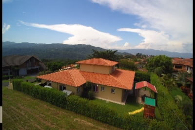 Venta Casa Estilo Español,  en Hacienda Los Reyes Golf y Country Club. ID 6888
