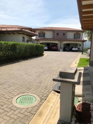 Casa en Exclusivo Residencial Privado Ciudad Hacienda Los Reyes