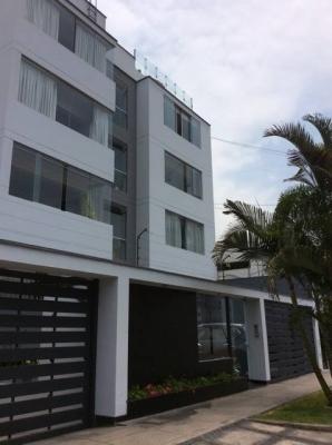 VENDO BELLO TRIPLEX US$330,000