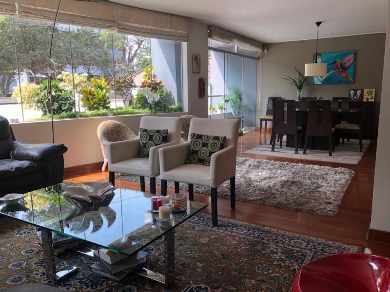 Espectacular departamento en Chacarilla