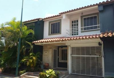 Villa Roca Cabudare Townhouse / Casa de 134 Mt2
