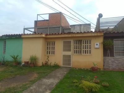 Casa en Venta Cabudare La Puerta Cod 18-5806