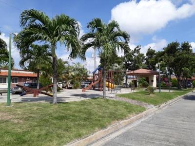 ¡¡¡Vendo Amplia y hermosa Casa en urbanizacion los Apamates/cabudare!!!